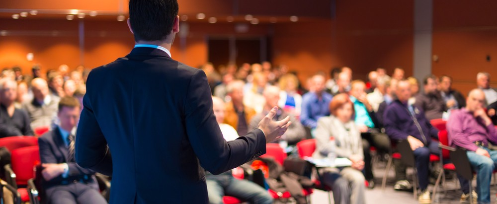 speaker before an audience, awards ceremony ideas, ultimate experince