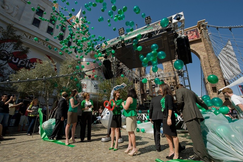 green events with eco friendly balloons